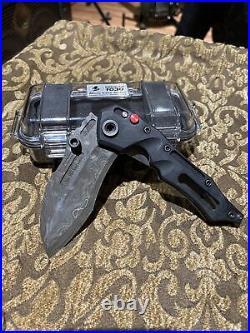 Dwaine Carrillo / Airkat Knife Custom Cobra Mod 5 Button Lock / Black G10 / Case